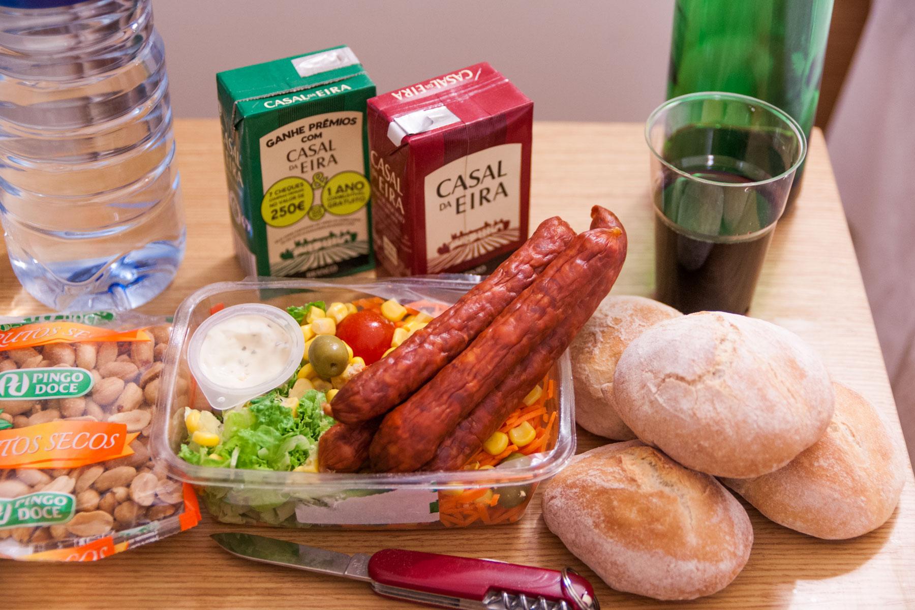 カイスドソドレのスーパー「Pingo Doce」で買った食材 撮影:NIKON D90 + TOKINA 16-50mm