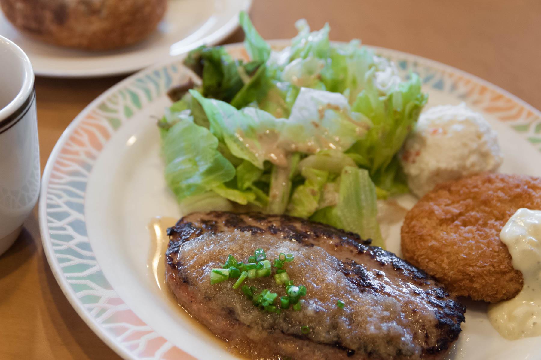 ココス千代田店(富山)の人生で2番目に美味しかったハンバーグ  撮影:NIKON D300 + TOKINA 16-50mm