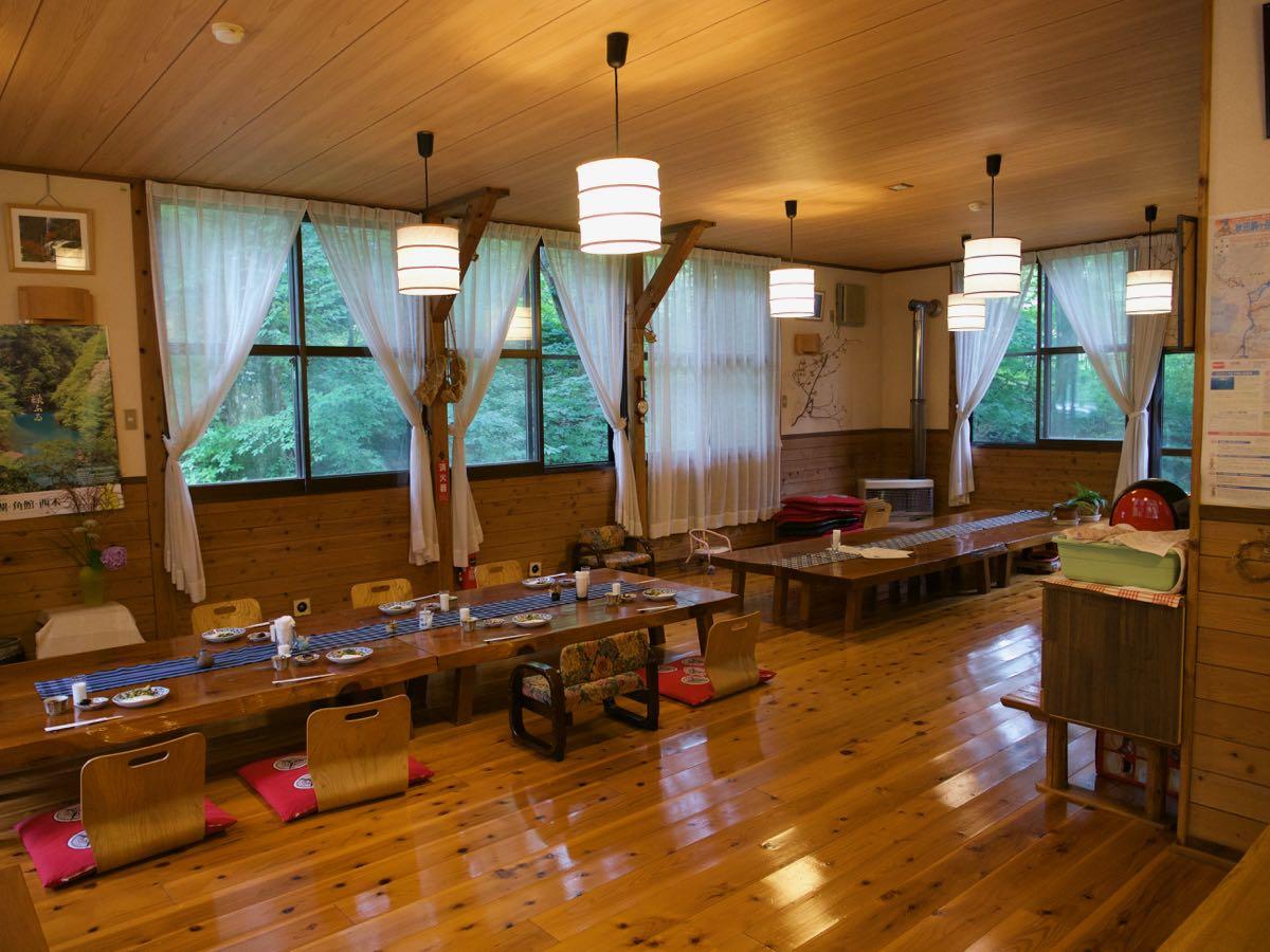 ゆぽぽ山荘の食堂 山荘で一番立派な場所