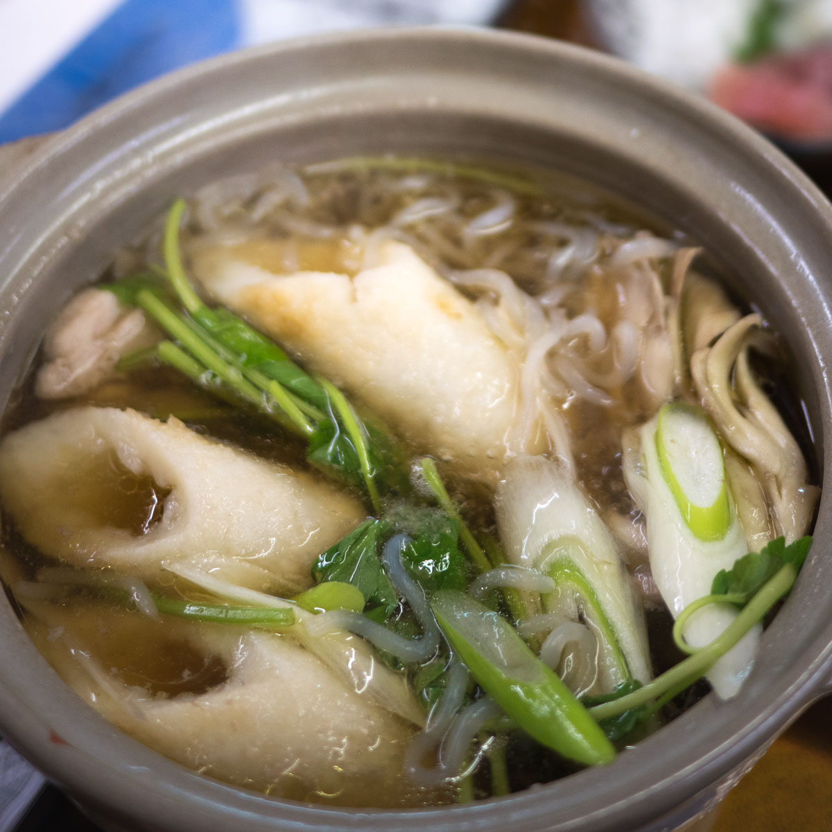 秋田と言えばキリタンポ鍋 肉厚の舞茸と比内鶏の出汁が美味い