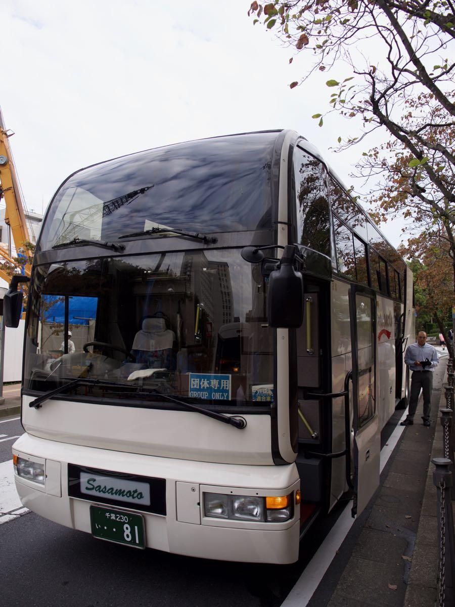 リッチモンドホテルのT1行き無料送迎バス 撮影:DMC-GX8 + LEICA DG 12-60mm