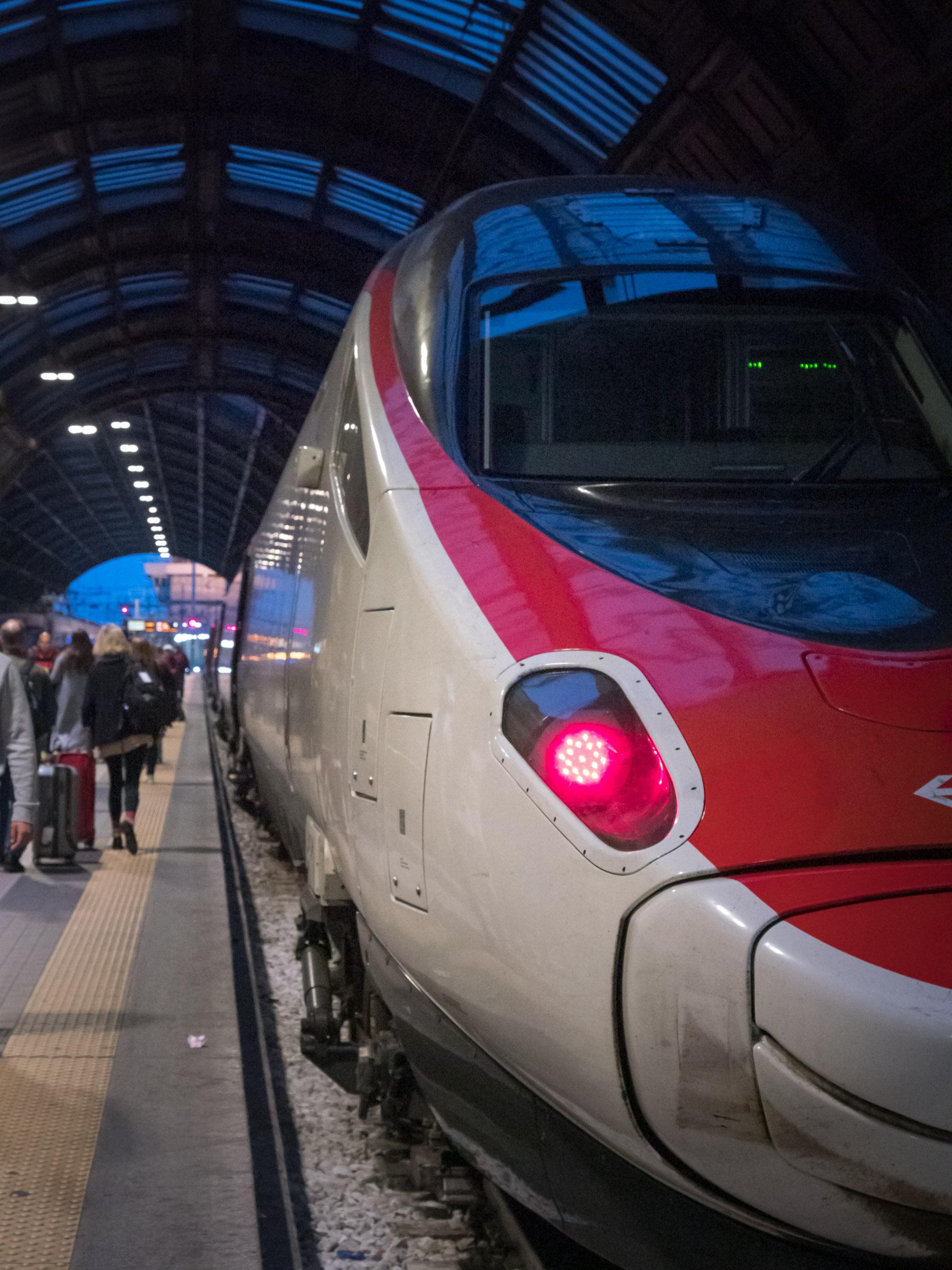 スイス国鉄のユーロシティユーロシティ DMC-GX8 + LEICA DG 12-60mm