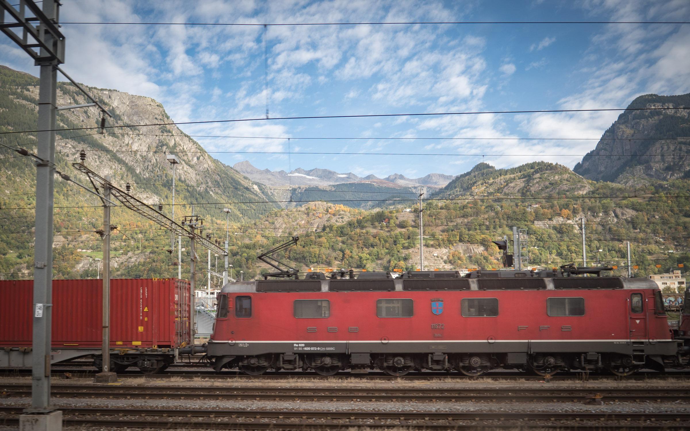 スイス国鉄の機関車 DMC-GX8 + LEICA DG 12-60mm