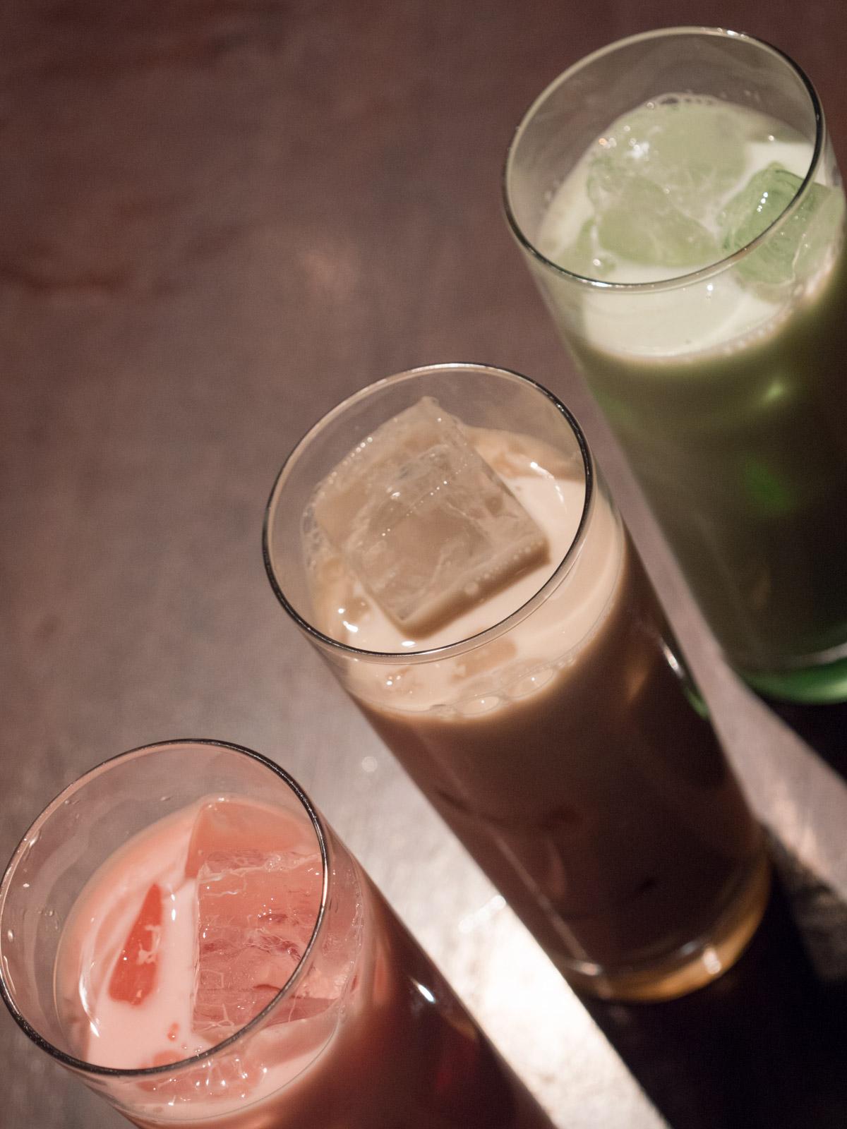 函館市本町「Ratna(ラトナ)」の抹茶ミルク、カルーアミルク、苺ミルク