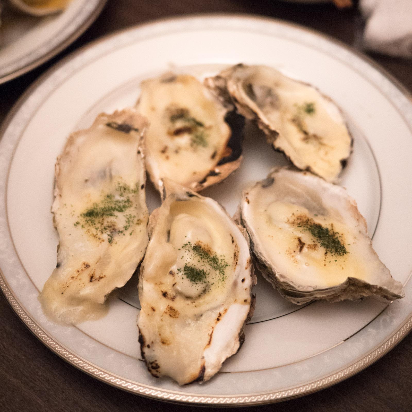 函館「牡蠣人(かきんちゅ)」宴会コースの牡蠣のグラタン