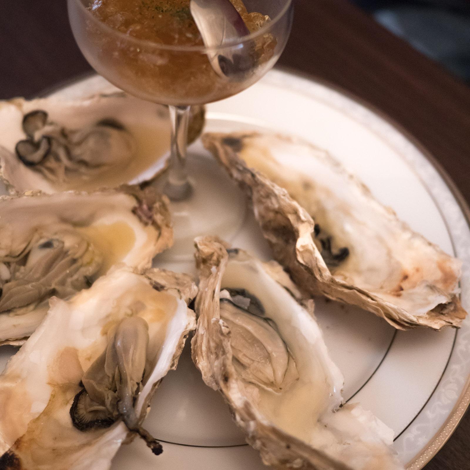函館「牡蠣人(かきんちゅ)」宴会コースの焼き牡蠣 ジュレソース