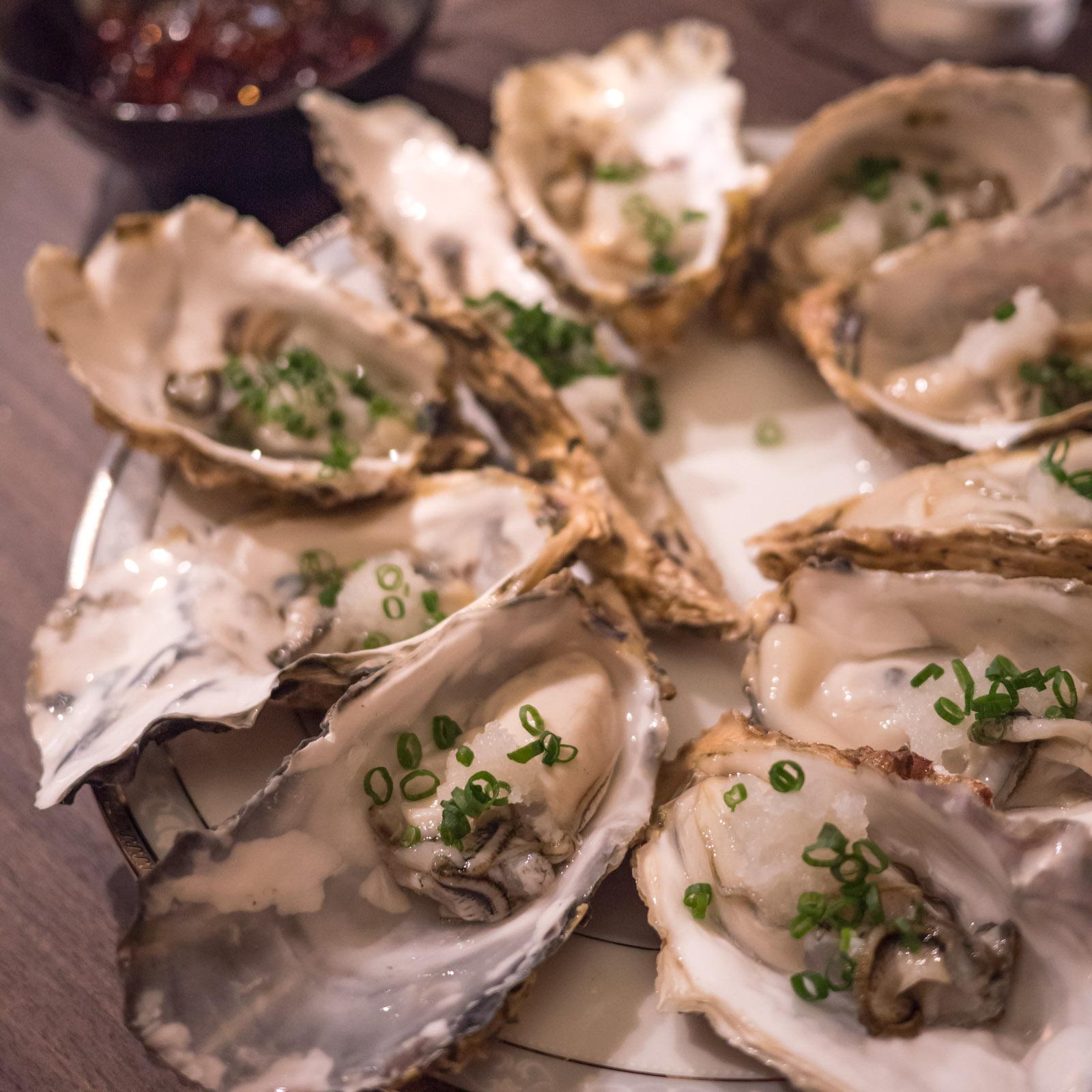 函館「牡蠣人(かきんちゅ)」宴会コースの牡蠣のおろしポン酢(時雨牡蠣)