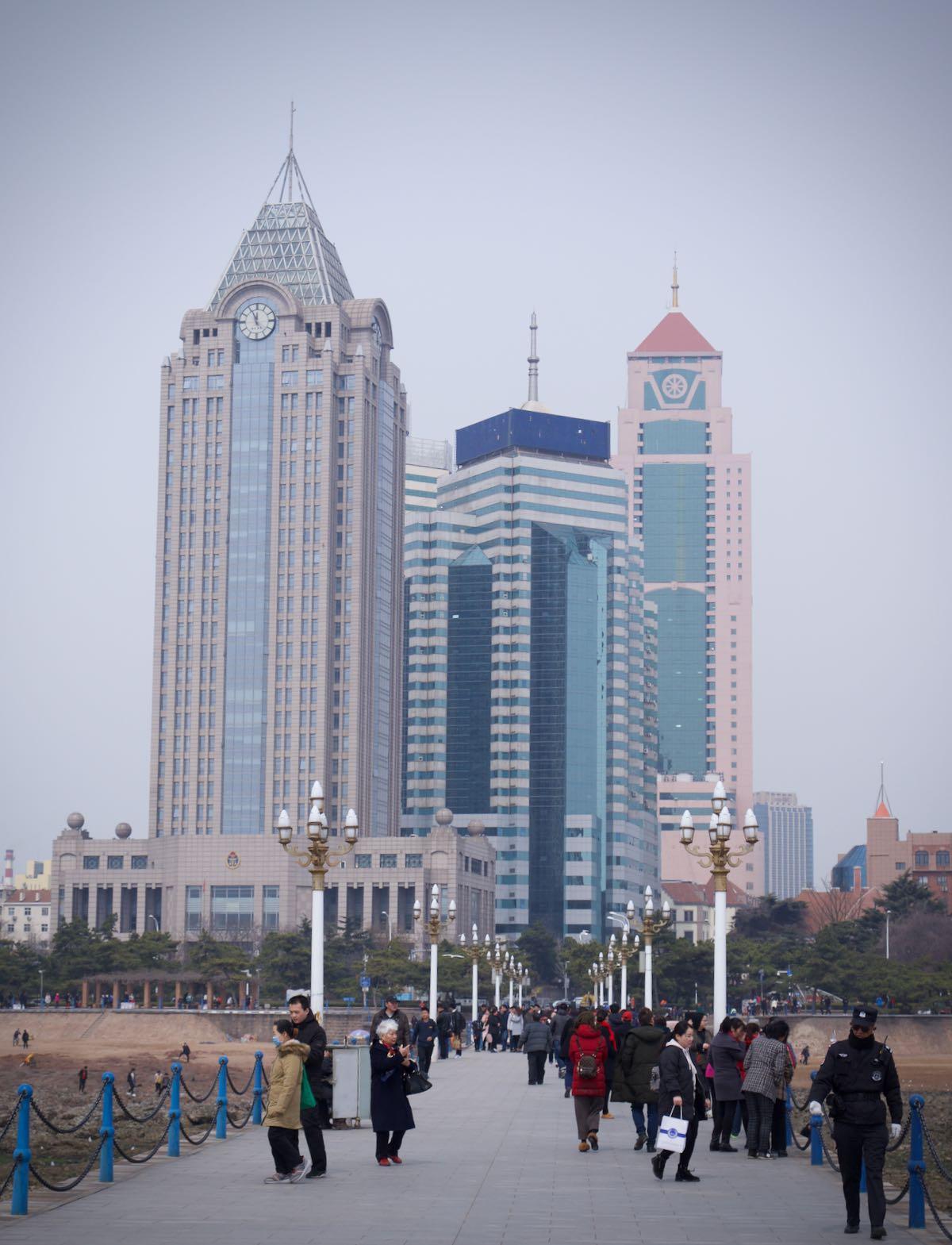 桟橋の海側から眺めた風景 DMC-GX8 + LEICA DG 12-60mm