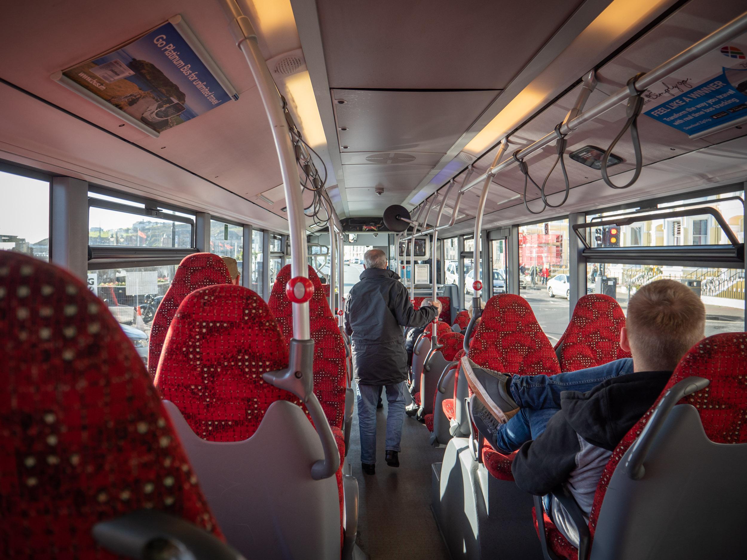 1系統ポート・エリン行きのバスの車内 DMC-GX8 + LEICA DG 12-60mm