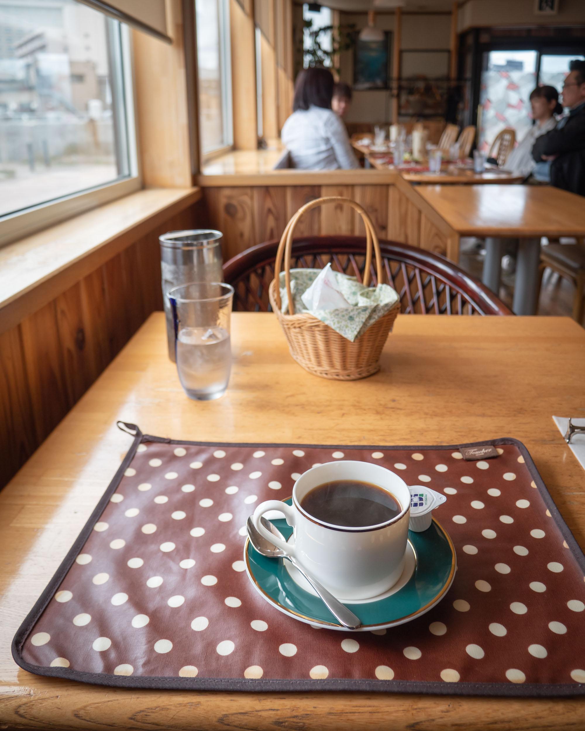 函館市湯の川の洋食店「エル・アペティ」 食後のコーヒー DMC-GX8 + LEICA DG 12-60mm