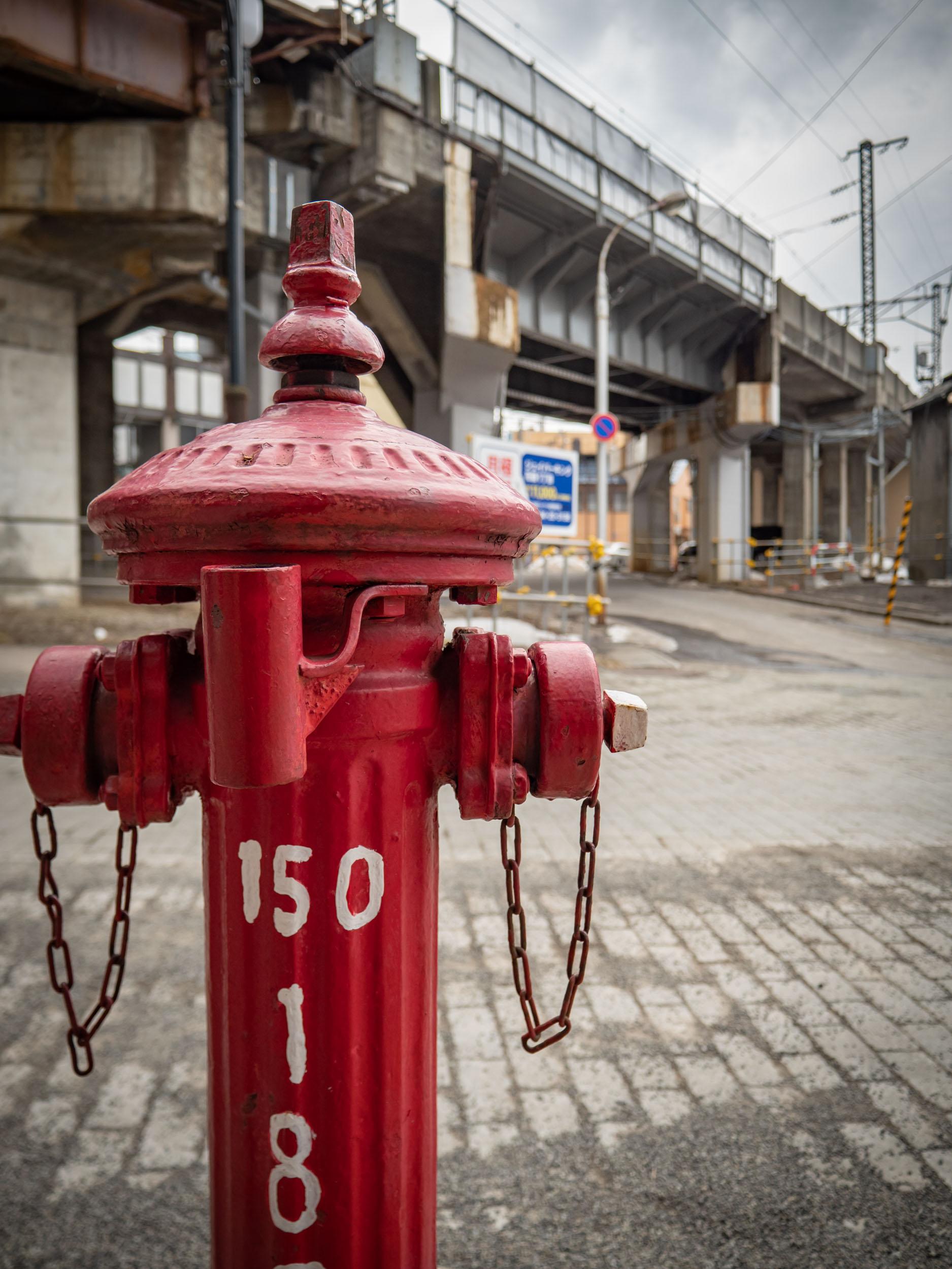 小樽花園通りの消火栓 DMC-GX8 + LEICA DG 12-60mm
