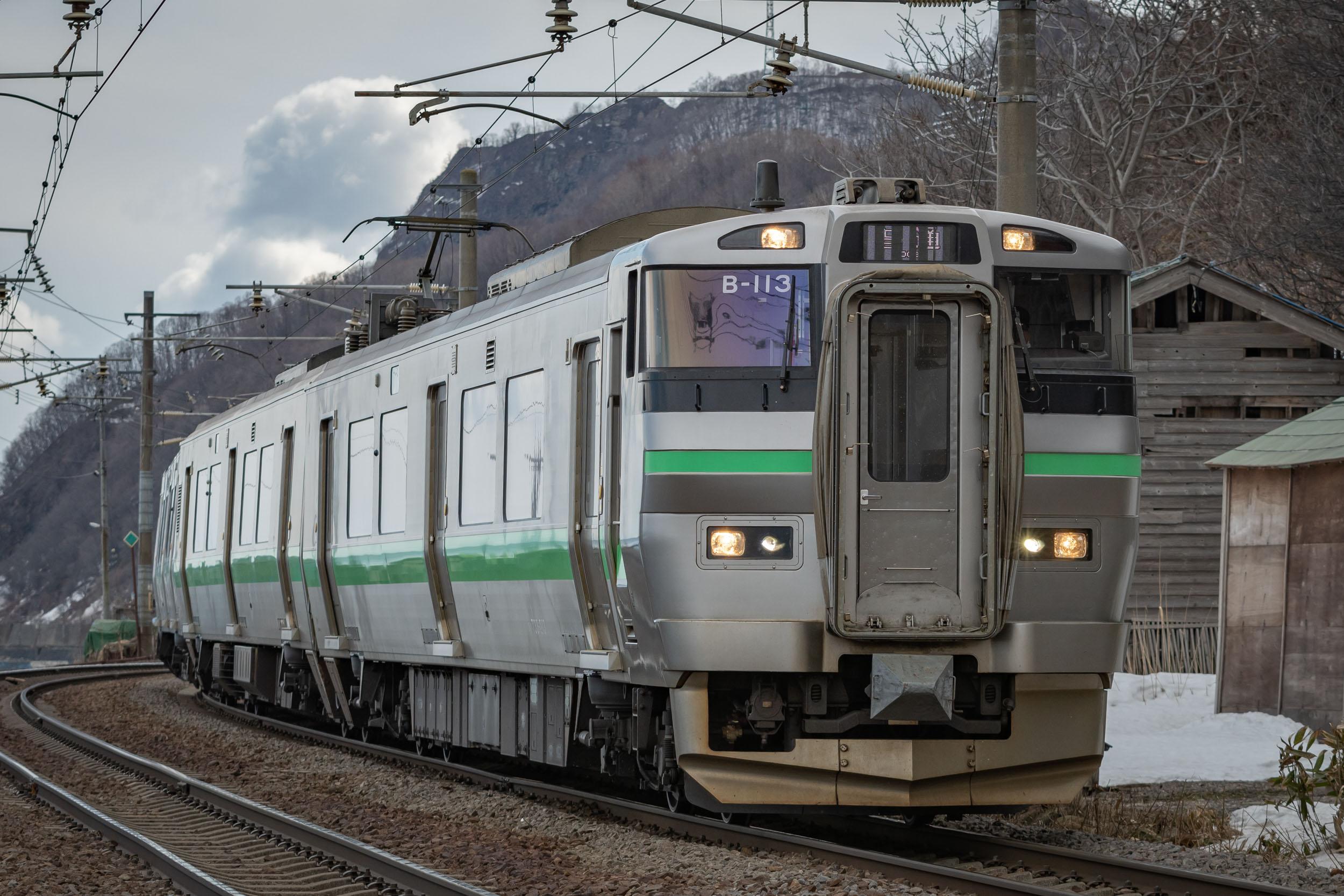浅利駅へ向かうJR北海道普通列車 NIKON D500 + TAMRON 70-210mm