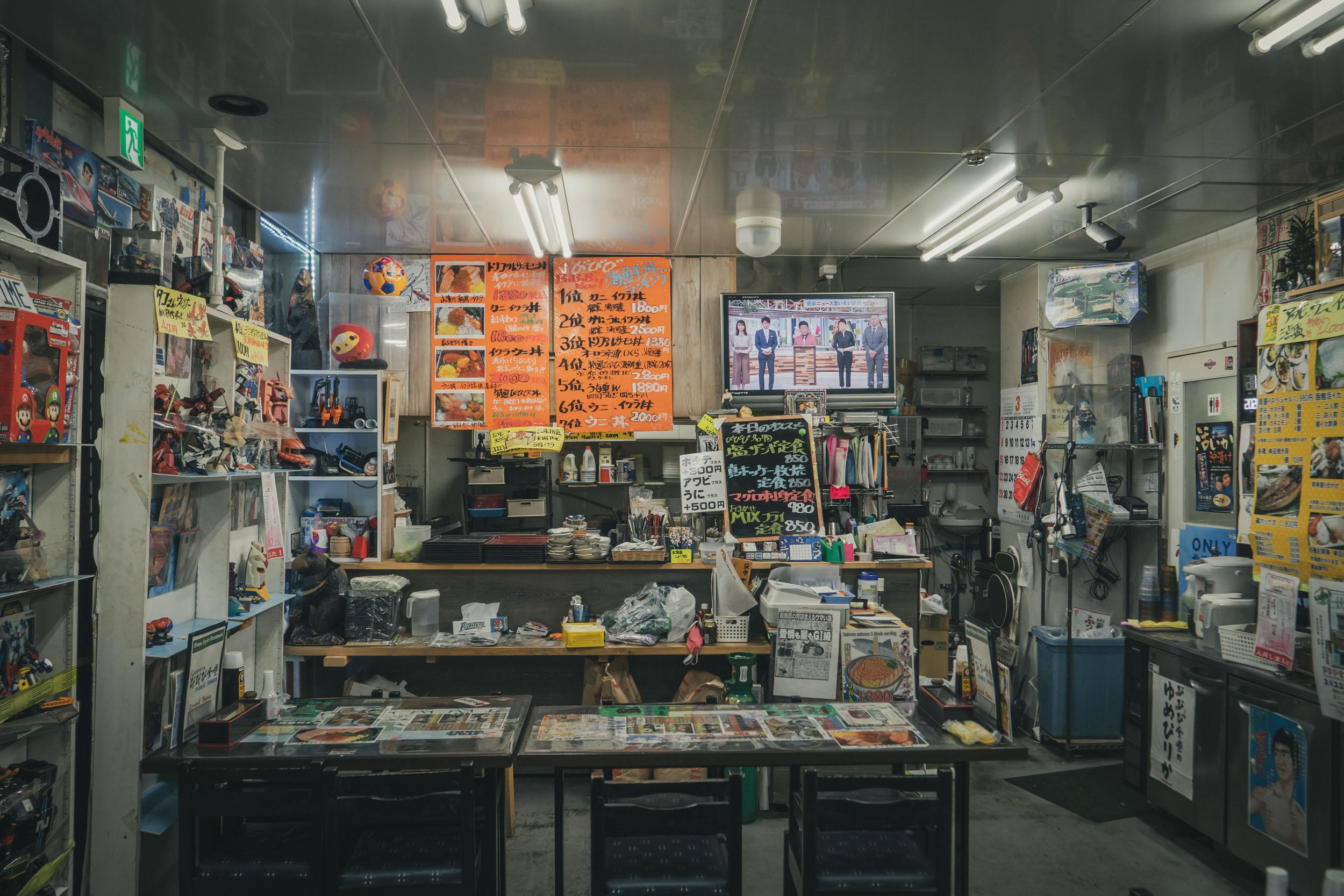札幌市中央区北11条西21丁目1−1 閉店した「びびび食堂」の店内 DMC-GX8 + LEICA DG 12-60mm