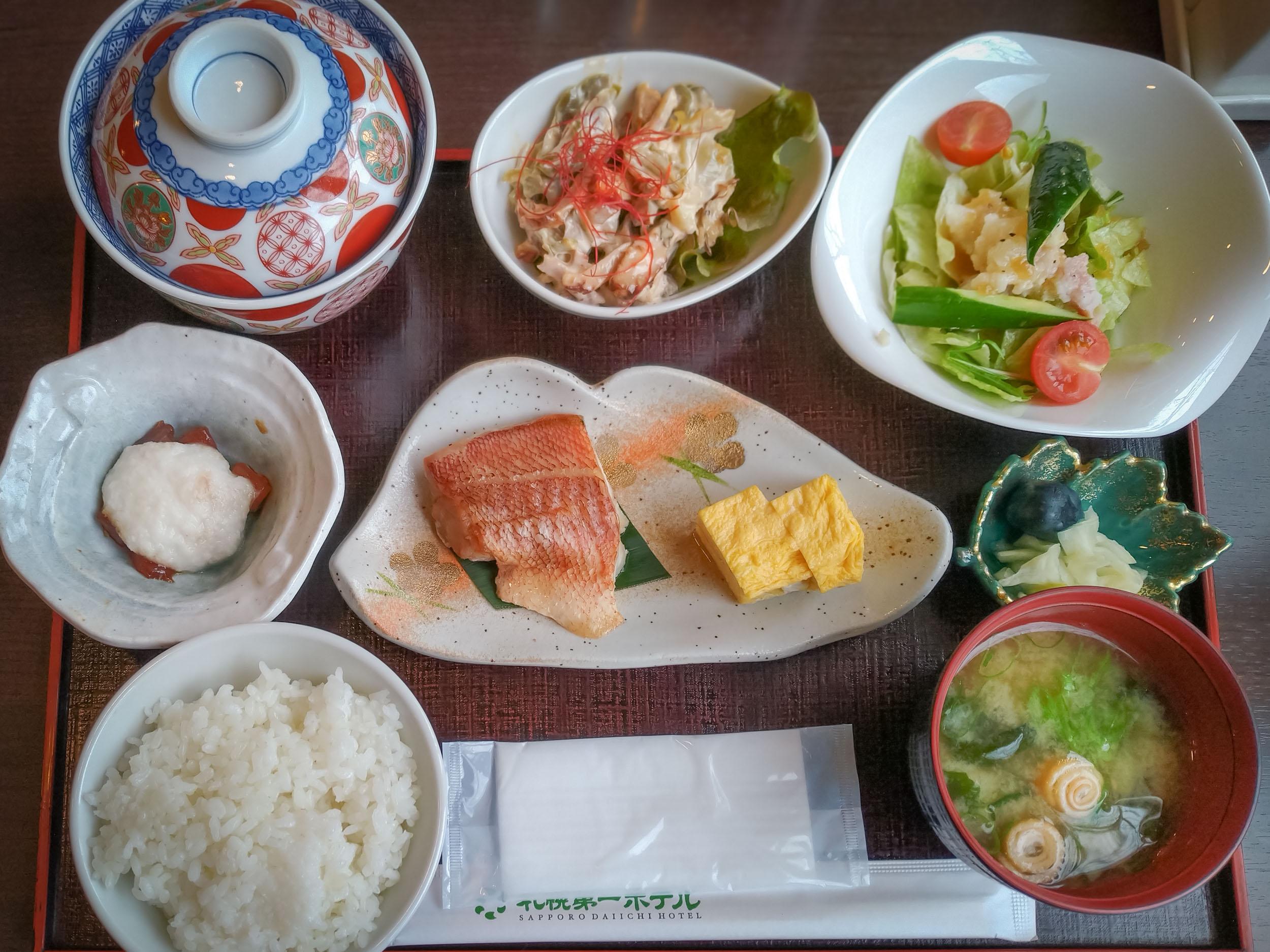 札幌第一ホテル一日目の朝食 DMC-GX8 + LEICA DG 12-60mm
