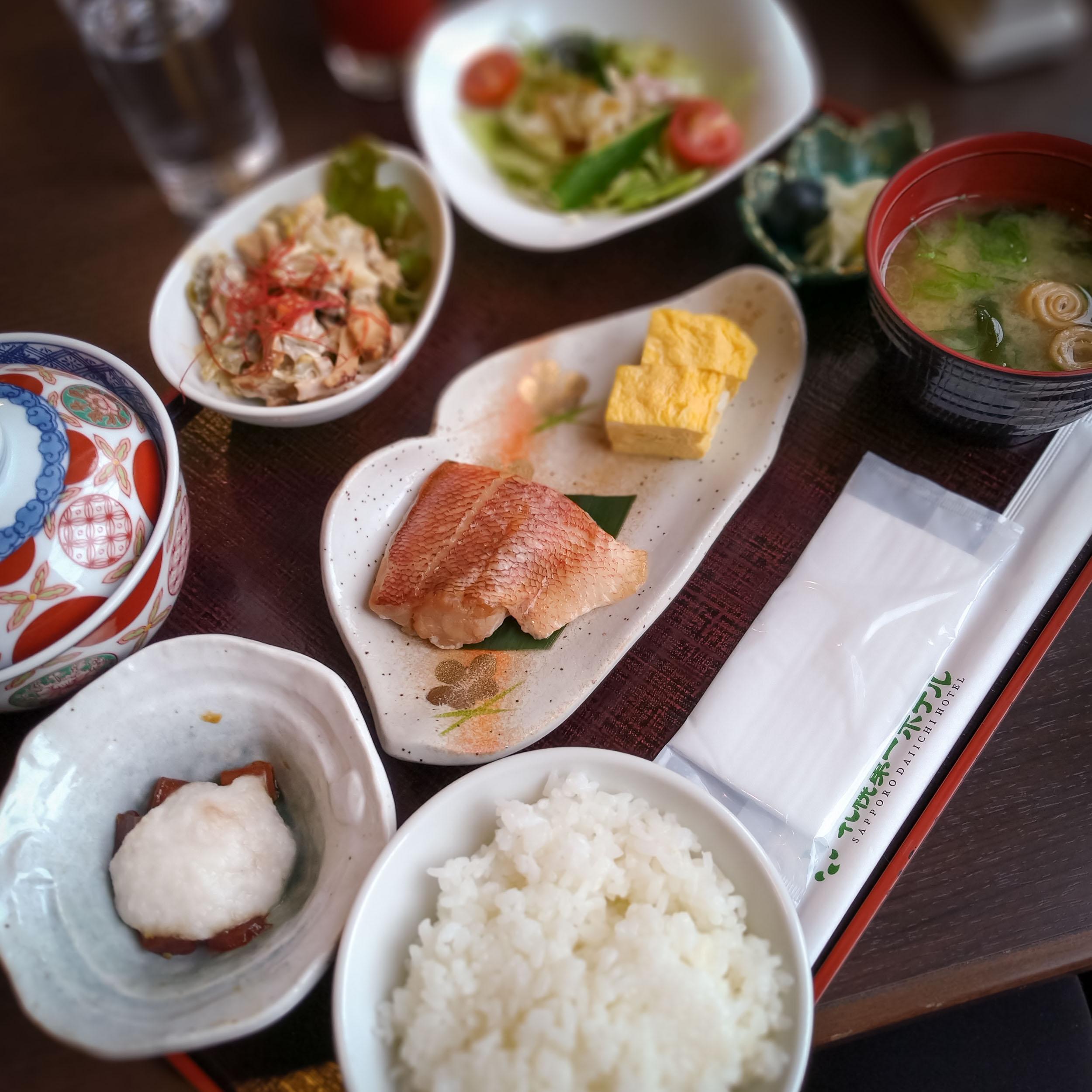 札幌第一ホテル一日目の朝食の全容 DMC-GX8 + LEICA DG 12-60mm