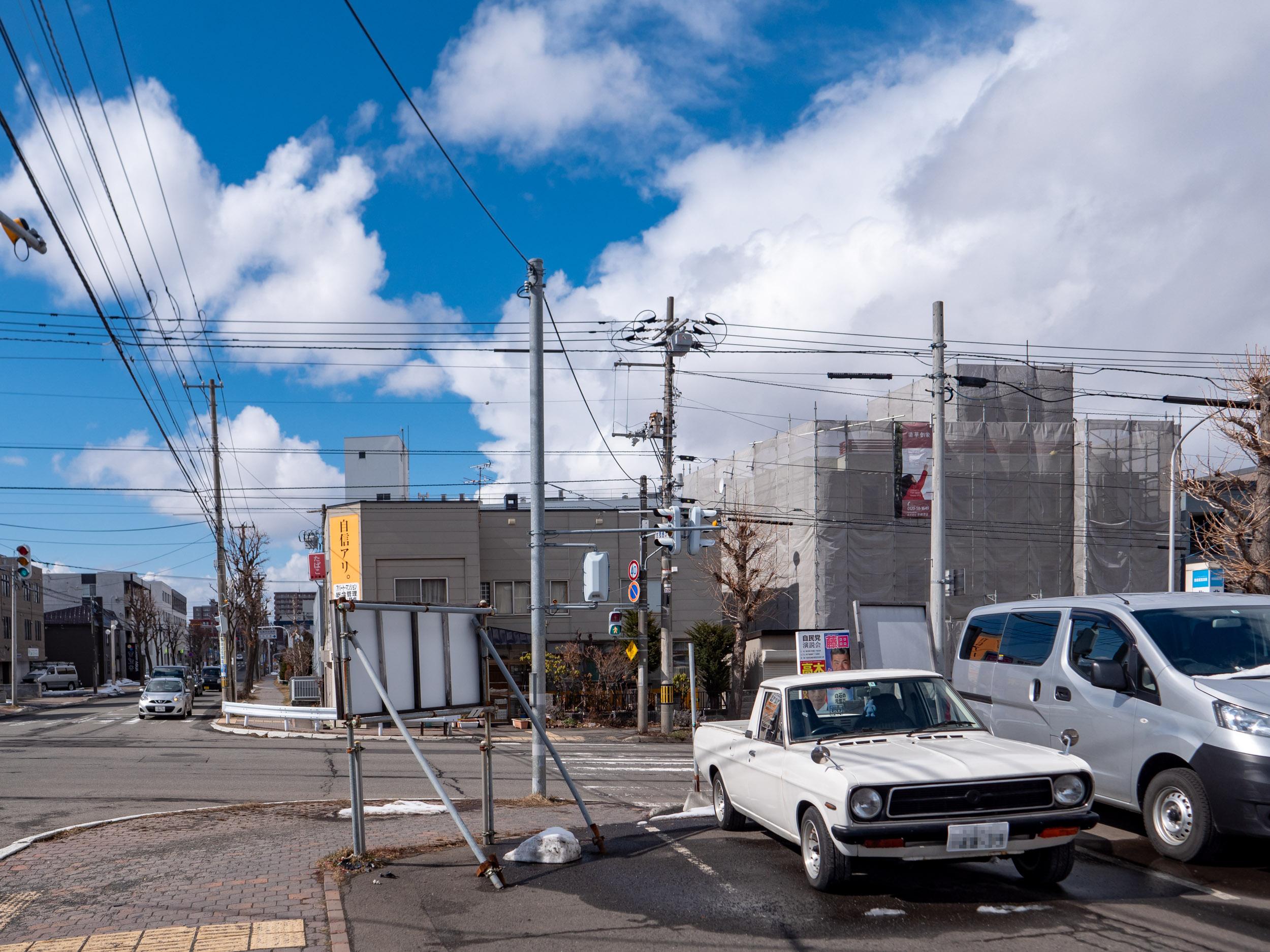 札幌市白石区本郷通4丁目駐車場のサニートラック DMC-GX8 + LEICA DG 12-60mm